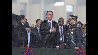 Bolsonaro fala em cerimônia pelo Dia do Soldado