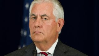 Tillerson meets with Saudis to resolve Qatar crisis