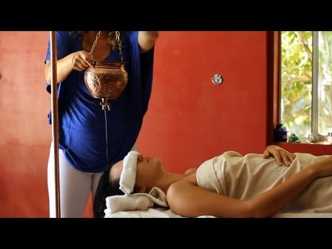 How to Pour Oil for Shirodhara Massage | Ayurvedic Massage