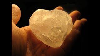 #x202b;الحجر العجيب لإزالة وشد التجاعيد استعملوه يوميا لمدة 15 يوم وباذن الله ستزال التجاعيد بنسبة 60%#x202c;lrm;