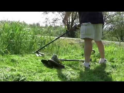 Ryobi 40-Volt  Attachment Capable Cordless String Trimmer review RY40220