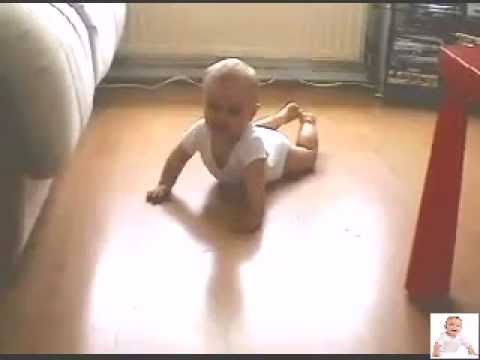 baby crawling - first lesson to crawle