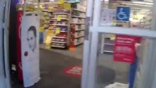 Cop shot during gun fight with armed robbers outside  drug store in New Orleans