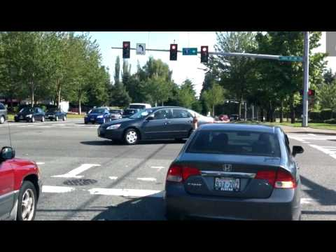A driver that actually deserves one of Lynnwood's red light camera tickets