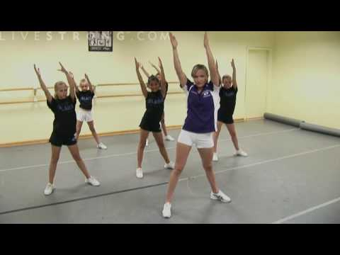 How to Do Cheerleading Dance Combinations