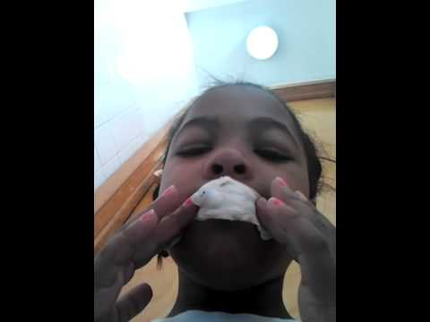 how to blow bubble gum if  you don't know how to