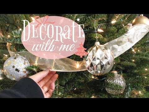 DECORATE WITH ME 2017 // DECORATING FOR CHRISTMAS // CHRISTMAS DECOR