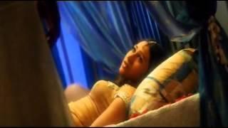 Akshay and Karishma Kapoor in Honeymoon Song Ek Rishta)