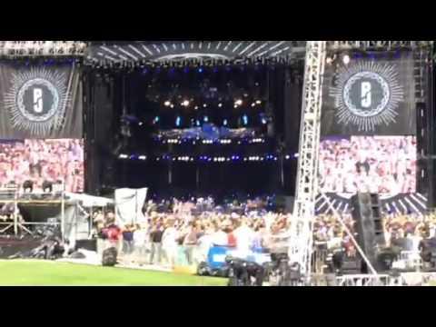 Pearl Jam- Yellow Ledbetter Clip- Wrigley