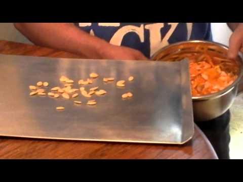 FAMILY FARMER DIY SALTED PUMPKIN SEEDS