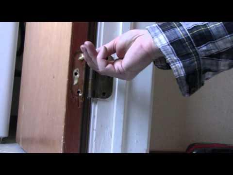 HOW TO REPAIR A DOOR HINGE