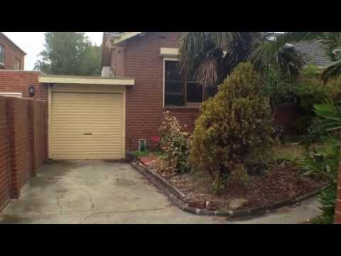 Rent a House in Melbourne: Glen Iris House 3BR/1BA by Melbourne Property Managers