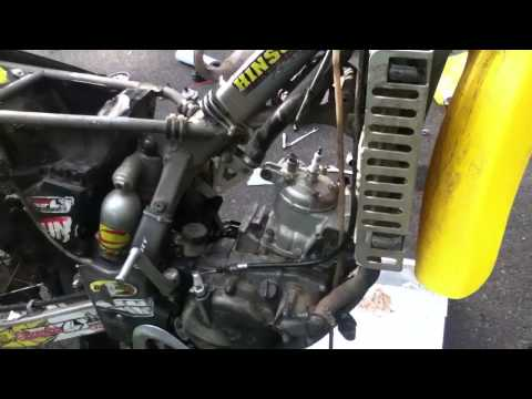 1993 RM 125 Rebuild : Stretching Head gasket and Installing Head