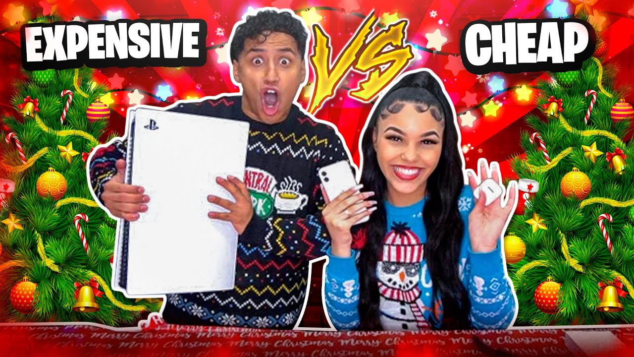 CHEAP VS EXPENSIVE CHRISTMAS PRESENTS CHALLENGE 🎁