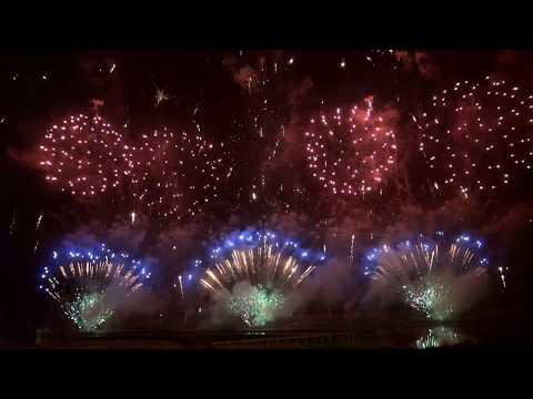 A BIG FIREWORKS SHOW WITH MUSIC !