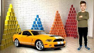 Download Новая машинка Ford Mustang GT и большие пирамиды из цветных стаканчиков. Видео для детей. Video