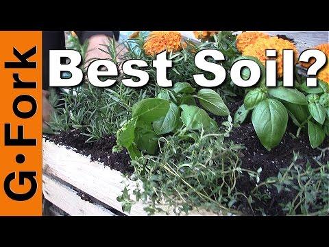 Best Potting Soil Mix? - GardenFork