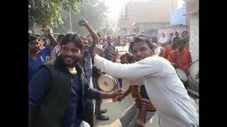 कानपुर में विश्व शौचालय दिवस पर बैंड बाजे संग निकली शौचालय की बारात