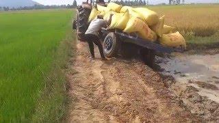 tractor Kubota M6040SU - transportation in mudd, stuck,fail,Mower Broken dropped, prepar, accidents