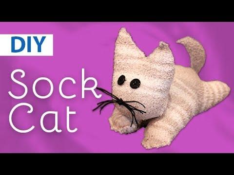 DIY Sock Cat | ArtsyPaints