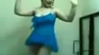 رقص مزه دلوعه على السرير بدون ملابس داخليه