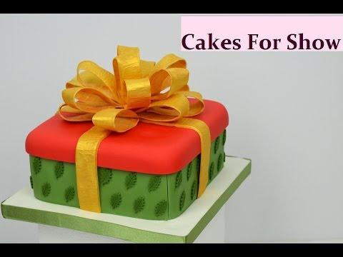 Making a Christmas Gift Box Cake