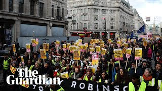 Protesters rally against Tommy Robinson-led 'Brexit Betrayal' march in London