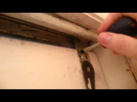 How to remove sliding closet doors