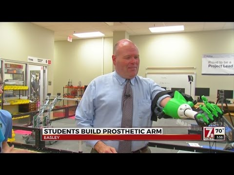Gettys MS students make prosthetic arm for asst. principal