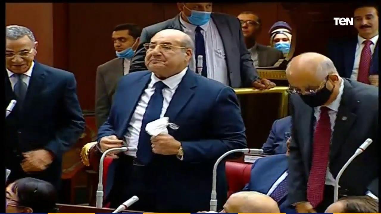 لحظة فوز المستشار عبد الوهاب عبد الرازق برئاسة مجلس الشيوخ