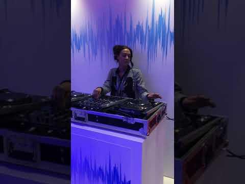 We Run The World Female Dj Agency Presents DJ Maxine Hardcastle
