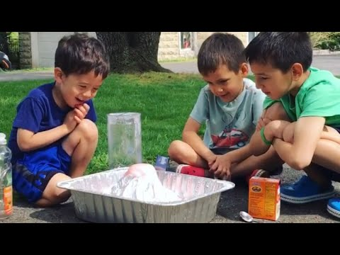Easy volcano experiment - make your own volcano