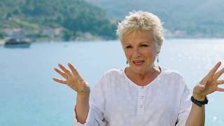 "MAMMA MIA! 2 Here We Go Again ""Rosie"" Julie Walters On Set Interview"
