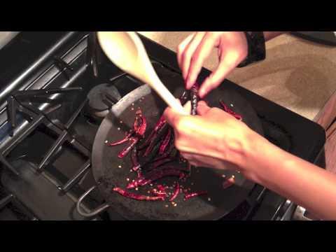 How To Make Salsa de Tomatillo Roja (Red Tomatillo Salsa)