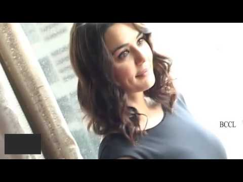 Preity Zinta not changing surname post marriage
