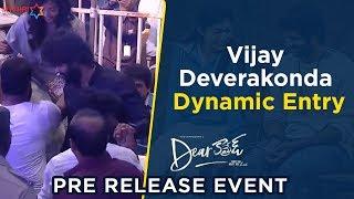 Vijay Deverakonda Dynamic Entry | Dear Comrade Pre Release Event | Rashmika Mandanna | Bharat Kamma