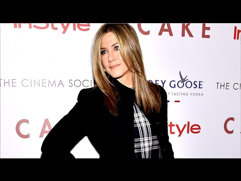 How to Get Jennifer Aniston's Sleek Blowout, Straight from Her Stylist | InStyle