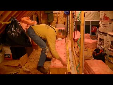 How to install fiberglass roll insulation in your attic