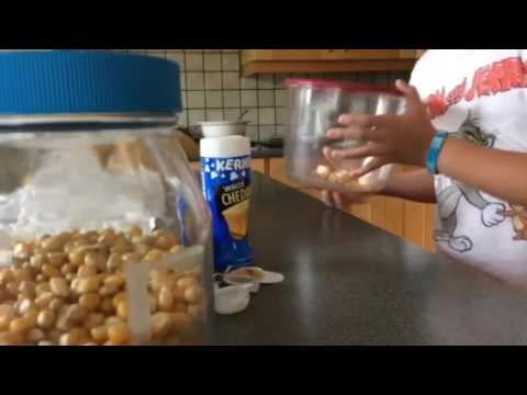 How to make homemade microwave popcorn with flavouring