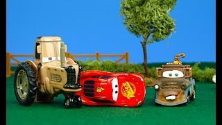 Disney Pixar Cars 3 Tractor Tipping REVENGE Lightning McQueen gets tipped over w/ MATER & RAMONE