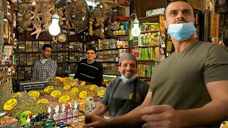 White Guy Suddenly Busts Out Arabic in Market, Shocks Locals