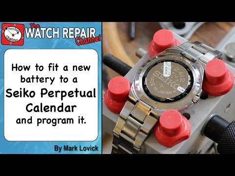 How to reset a Seiko perpetual calendar and fit a new battery. Watch repair tutorials. 8F32