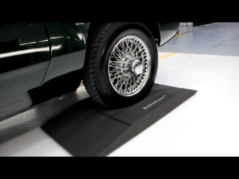 Prevent Tyre/Tire Flat Spots with the Reifenkissen Tyre Cushion