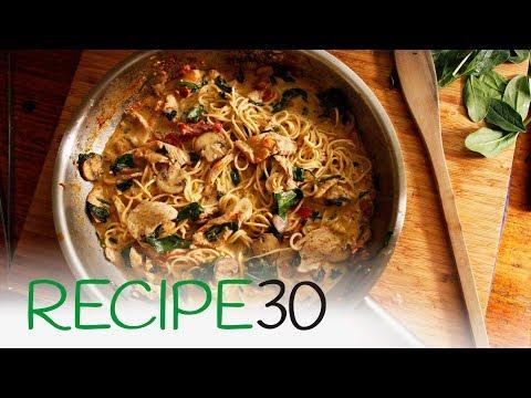 Pesto pasta with chicken breast, mushroom and sundried tomatoes