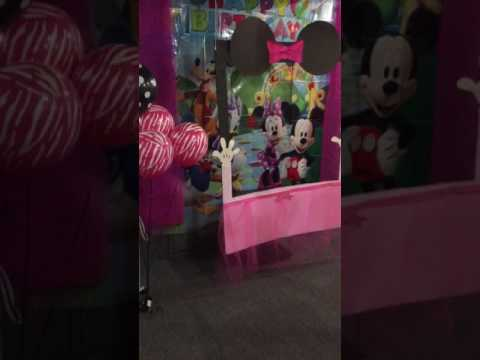 Kids Minnie Mouse Painting Party setup!