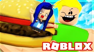 WE MUST ESCAPE THE ROBLOX DINER! I GET EATEN BY A GIANT!!