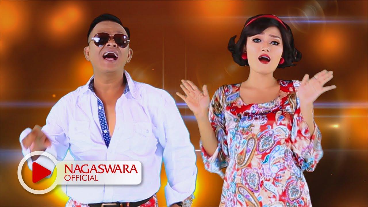 Download Siti Badriah - Sama Sama Selingkuh (feat. Endang Raes) MP3 Gratis
