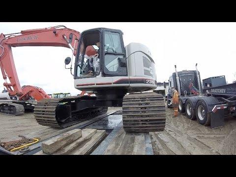 Heavy Haul TV: Unloading LinkBelt 235 in Bolton, Ontario