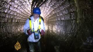 London turns sewer-choking