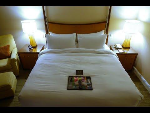 Review: Fairmont Vancouver Airport Hotel